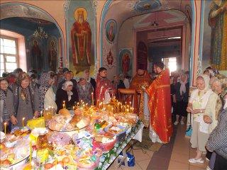 Радоница в Успенском храме г. Бугуруслан 2013